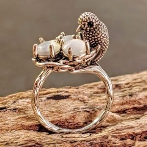 Silver 3D Mama Bird Eggs and Nest Ring